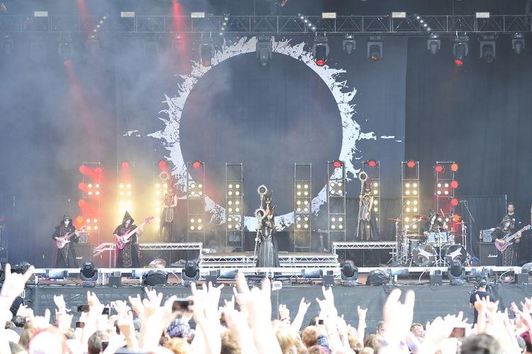 【ライブレポート】BABYMETALが2年ぶりに「Download Festival」で熱演、ヨーロッパツアー完結 - 音楽ナタリー