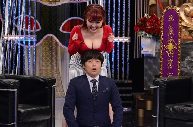 上から新良エツ子、バカリズム。(c)日本テレビ