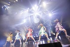 「チームしゃちほこ SPRING TOUR 2018~日本中でJUMP MAN!?幸せの使者は君だッ!~」東京・Zepp Tokyoの様子。(撮影:石井亜希)