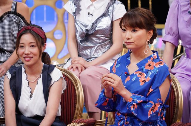左から福田明日香、保田圭。(c)日本テレビ