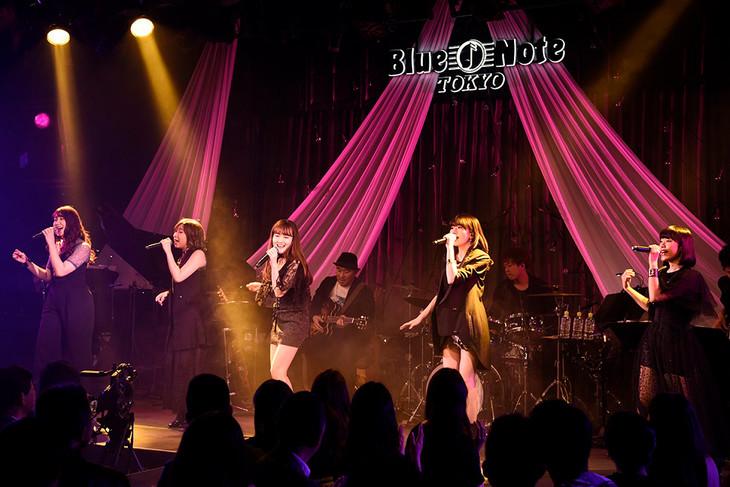 Little Glee Monster「MTV Unplugged: Little Glee Monster」東京・ブルーノート東京公演の様子。