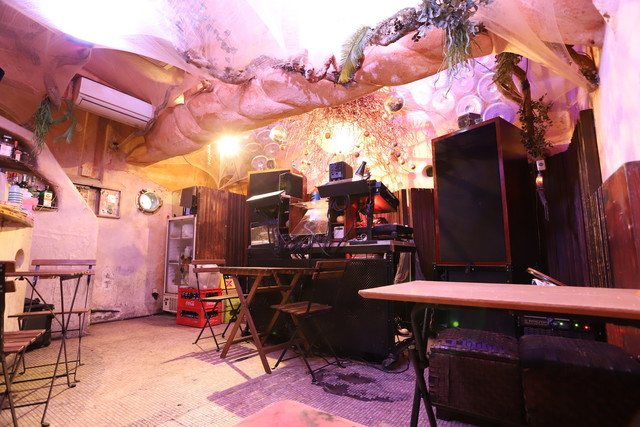 bar bonoboのメインフロア。