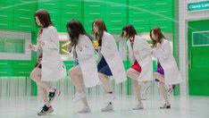 テレビCM「LINE Clova 実験室 大なわとび篇」のワンシーン。