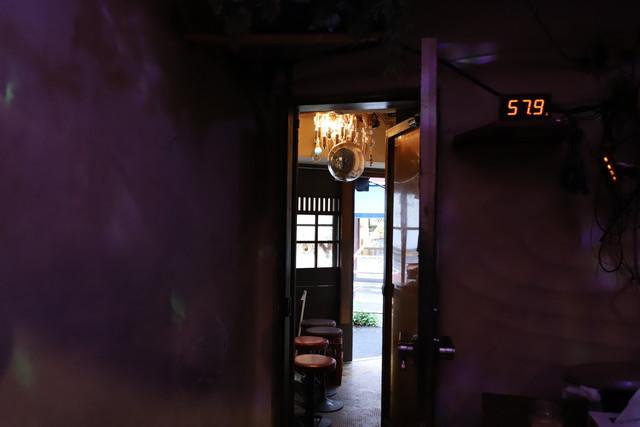 bar bonoboの店内。