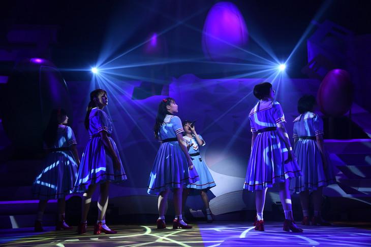 「私立恵比寿中学 SHAKARIKI SPRING TOUR 2018~New,Gakugeeeekai of Learning~(新・学芸会のすゝめ)」最終公演の様子。
