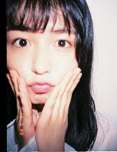 「欅坂46 PERFECT BOOK」より、長濱ねる。