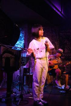 山出愛子「Aiko Yamaide LIVE Diary Vol.0 0729」の様子。(写真提供:アミューズ)