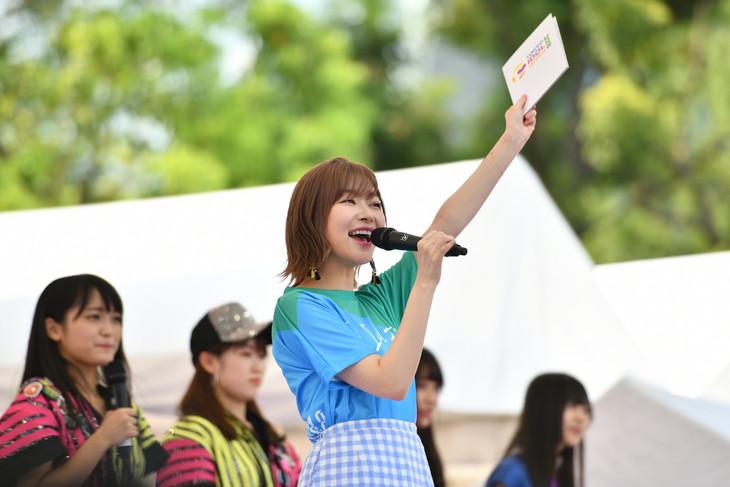 元気に開幕を宣言する「TOKYO IDOL FESTIVAL 2018」チェアマン・指原莉乃(HKT48)。