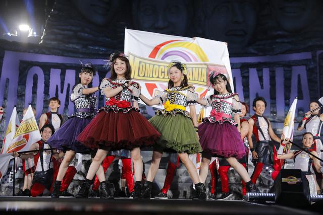ももいろクローバーZ「MomocloMania2018 -Road to 2020-」初日公演の様子。(Photo by HAJIME KAMIIISAKA+Z)
