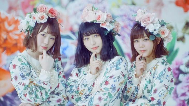 欅坂46「音楽室に片想い」ミュージックビデオのワンシーン。