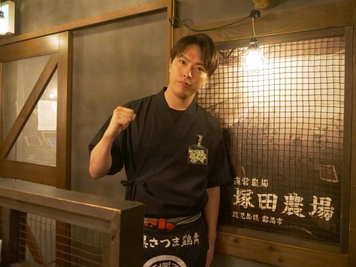 塚田農場の制服を着たko-dai。