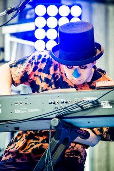 H ZETT M(Piano)(Photo by Hiroki Nishioka)