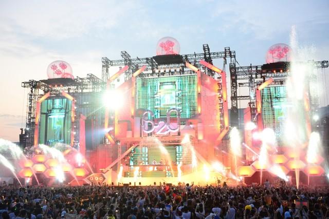 「S2O JAPAN SONGKRAN MUSIC FESTIVAL」の様子。