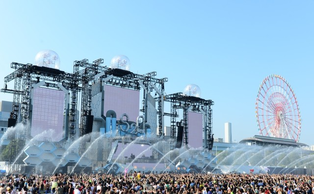 「S2O JAPAN SONGKRAN MUSIC FESTIVAL」の様子。
