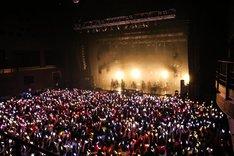 「XYZ TOUR 2018 -SUMMER-」最終公演の様子。(Photo by Takuro Hori[ELENORE]、Kazuya Imada[ELENORE])