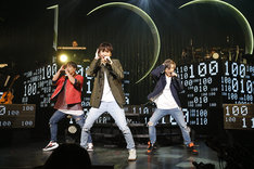 "「w-inds. LIVE TOUR 2018 ""100""」東京・東京国際フォーラム ホールA公演の様子。(撮影:福岡諒祠)"