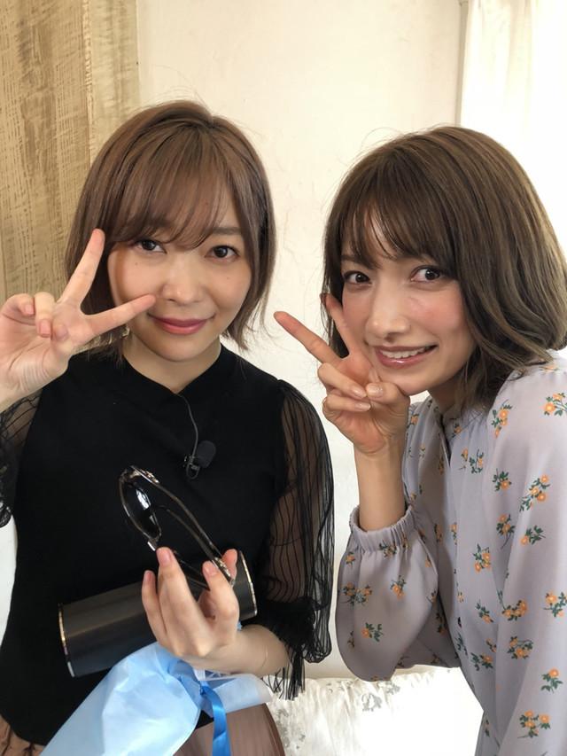 左から指原莉乃(HKT48)、後藤真希。(c)日本テレビ
