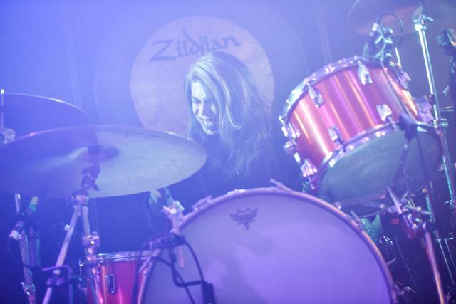 Atsuo(Vo, Dr, Percussion, Electronics / Boris)(Photo by Daisuke Miyashita)