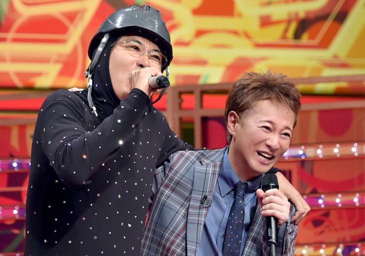 「UTAGE!」で肩を並べる石橋貴明と中居正広。(c)TBS