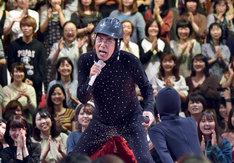 「UTAGE!」収録中の石橋貴明。(c)TBS
