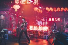 THE YELLOW MONKEY「天道虫」ミュージックビデオのワンシーン。