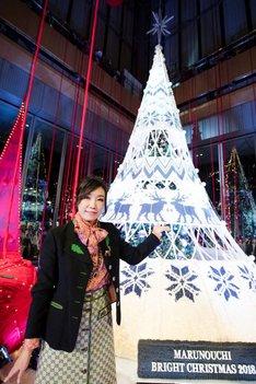 クリスマスツリー点灯式に登場した松任谷由実。