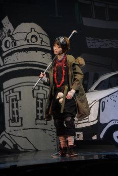 若月佑美(乃木坂46)演じるクロ。