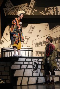 舞台「鉄コン筋クリート」ゲネプロの様子。