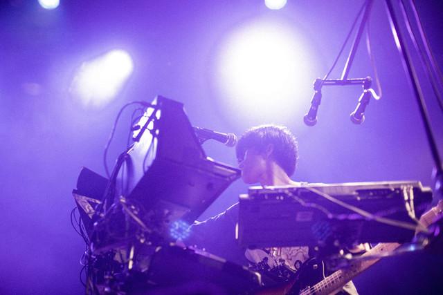 木幡太郎(G, Vo, Syn)(Photo by Hiroaki Kuwabara)