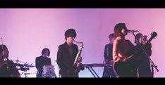 大比良瑞希「いかれたBABY」ミュージックビデオのワンシーン。