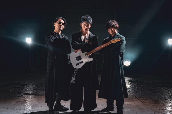 「Rain Dance / MIYAVI vs KREVA vs 三浦大知」ミュージックビデオ撮影の様子。