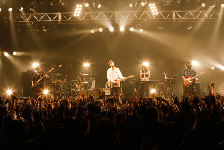 LILI LIMIT「size L」東京・TSUTAYA O-EAST公演の様子。(撮影:木村篤史)
