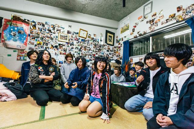 大阪芸術大学を訪れたヤバイTシャツ屋さん。(Photo by Akitake Kuwabara)