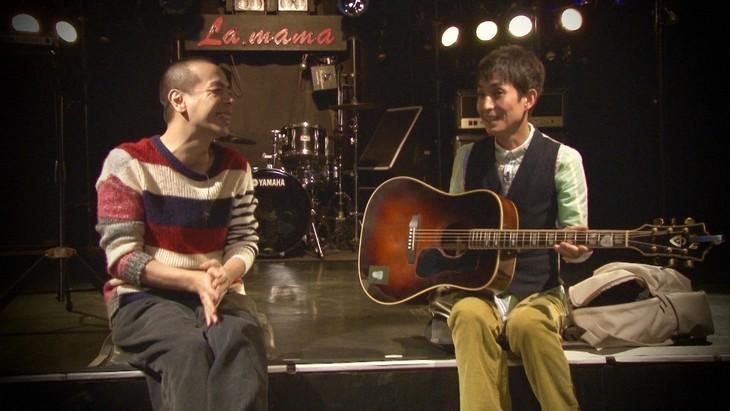 左から峯田和伸、矢部太郎。(写真提供:NHK)