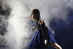 ソロダンスを披露する北野日奈子。(写真提供:ソニー・ミュージックレコーズ)