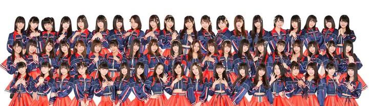 SKE48。中段左から10番目が小畑優奈。