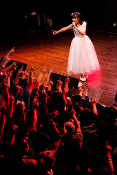 「Dorothy Little Happy Live 2018~Thank you, our story~」の様子。(写真提供:株式会社オブジェクト)