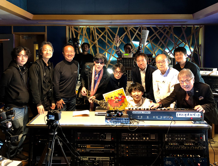 「名盤ドキュメント イエロー・マジック・オーケストラ」のゲスト出演者たち。(写真提供:NHK)