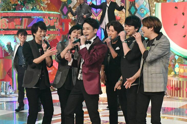 「Can do! Can go!」を歌う出演者たち。(写真提供:テレビ朝日)