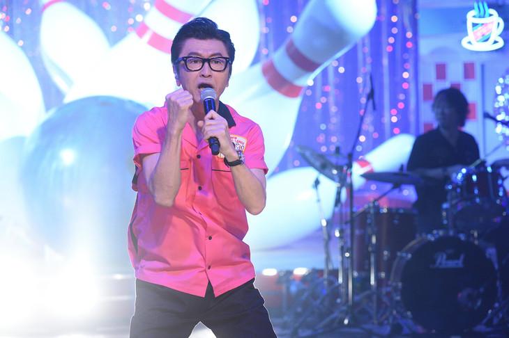 「桑田佳祐のレッツゴーボウリング 日米オールスター頂上決戦!」のワンシーン。