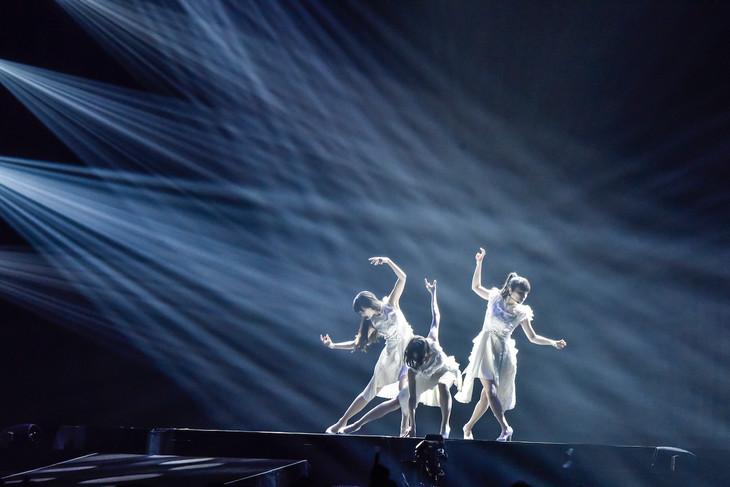 「Perfume 7th Tour 2018『FUTURE POP』」神奈川・横浜アリーナ公演でのPerfume。(撮影:高田梓)