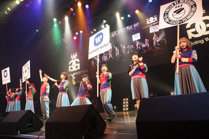 Warner Music Japan内の新レーベル・FUELED BY MENTAIKOからのメジャーデビューを発表するGANG PARADE。(Photo by Kenta Sotobayashi)