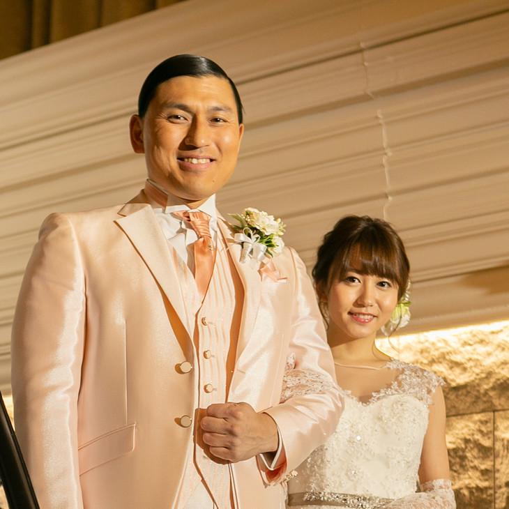 左から春日俊彰(オードリー)、大場美奈(SKE48)。