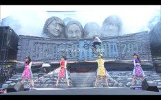 ももいろクローバーZ「MomocloMania2018 -Road to 2020-」ティザー映像のワンシーン。