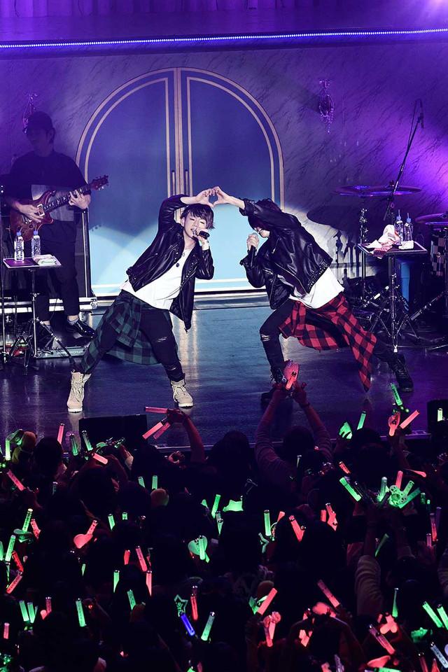 うらさか「URASAKA KINGDOM~To kiss princess~」最終公演の様子。(撮影:小松陽祐[ODD JOB])