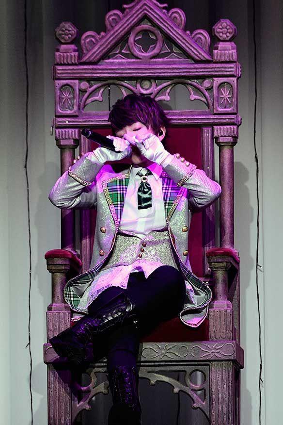 音楽ナタリー            うらたぬき&あほの坂田、王子様になってフィアンセを探す熱狂の一夜