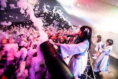 uijinのライブの様子。(写真提供:AqbiRec)