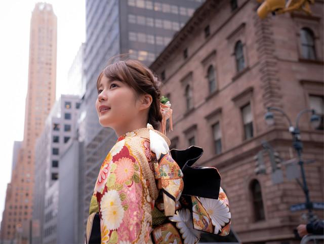 生田絵梨花写真集「インターミッション」(講談社)より。(撮影:中村和孝)