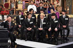 MCの有吉弘行とSOLIDEMO。(c)日本テレビ