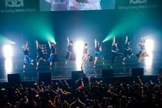 本日2月3日に行われた「Going Going WACK TOUR」大阪・なんばHatch公演でのBiS。(Photo by kenta sotobayashi)
